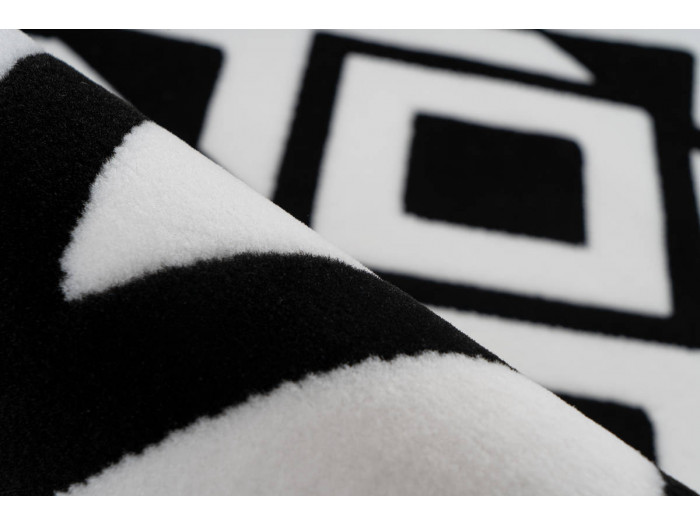 Tapis SAFI Noir / Blanc 120cm x 170cm4