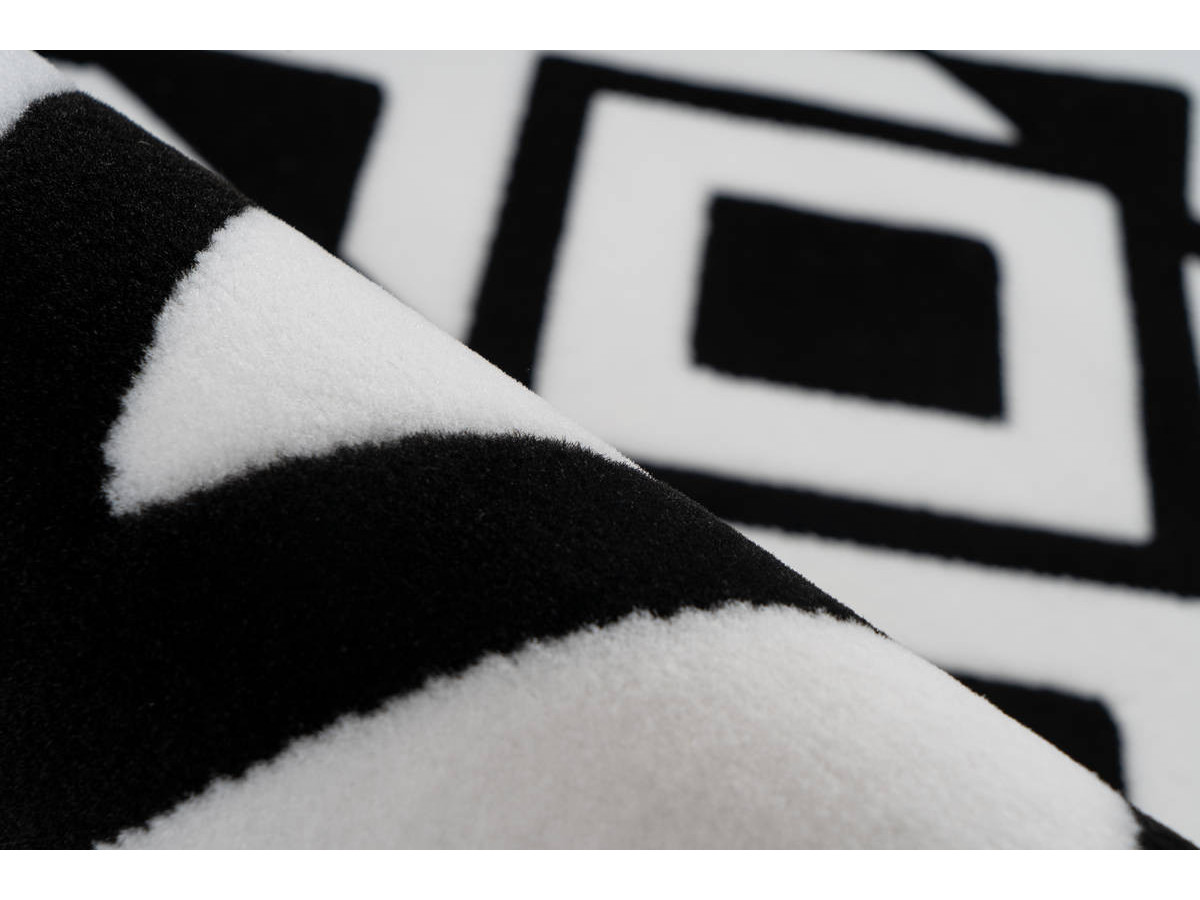Tapis SAFI Noir / Blanc 160cm x 230cm4
